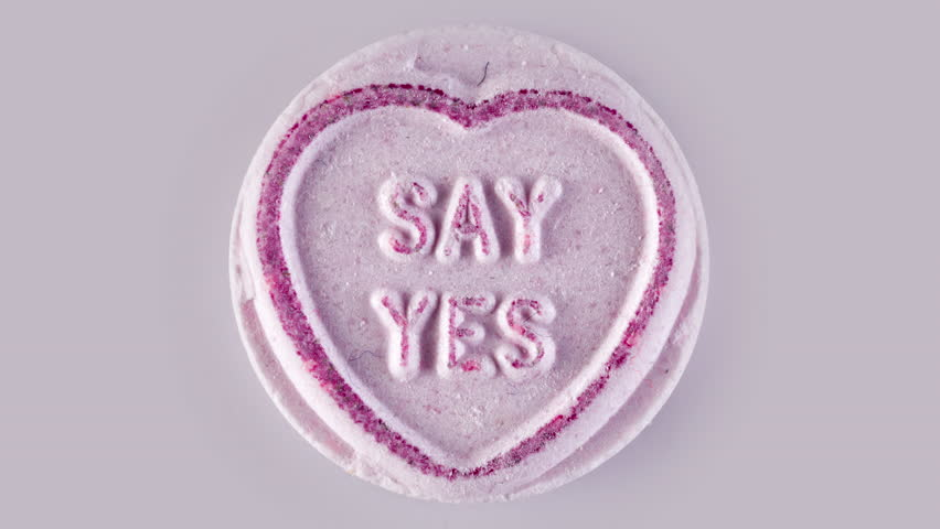 4k love heart sweets with changing messages of affection