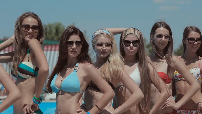 Multi Ethnic Male Female Teenage College Friends Bright -8850